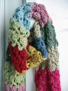 Nice scarf crocheted in sultan stitch