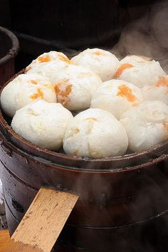 Steaming buns! A filling meal that is perfect for long hours of sightseeing. Street food in Yuci, China  #ChineseFood