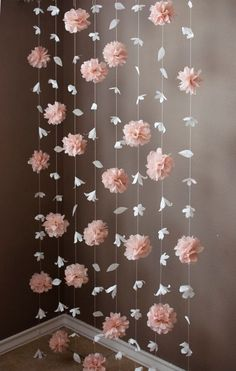 Paper Flower and Tissue Paper Puff Garland Papierblumen- und Seidenpapier-Hauchgirlande Paper Flower Garlands, Diy Flowers, Tissue Paper Decorations, Tissue Paper Flowers, Paper Flowers Wedding, Hanging Paper Flowers, Paper Wedding Decorations, Diy Paper Flower Backdrop, Diy Sweet 16 Decorations