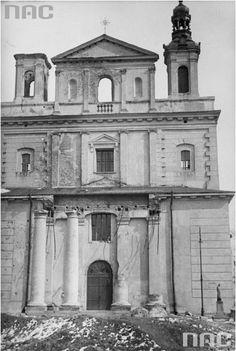 Zniszczony fronton Katedry, po bombardowaniu w dniu 09.09.1939