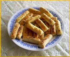Slané tyčinky s tekutou šľahačkou - recept   Varecha.sk Thing 1, Apple Pie, Appetizers, Desserts, Food, Basket, Tailgate Desserts, Deserts, Appetizer