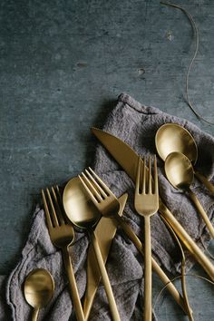 I love brass cutlery. Too bad that my ex didn't see fit to give me the set from his grandmother's estate that he said we could keep. Instead, he left 9 boxes of crap at my house for me to dispose of. All the good stuff, he'd already taken. After all the money he owes me, you'd think that he would have offered the one thing he knew I wanted. It's unreal what a$$holes people can be, especially the takers... ~ETS