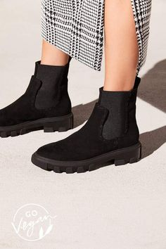 huge discount e729f 1a5c2 Faryl Robin Vegan Delta Chelsea Boot Black Chelsea Boots, Vegan Boots,  Ethical Clothing,