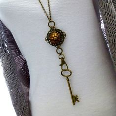 Steampunk Lion Lanyard Necklace takes you on a whole new level !