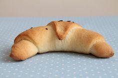 yummy muffin: Je čas na něco slaného – křupavé rohlíky a domácí ... Deserts, Baking, Sweet, Candy, Bakken, Postres, Dessert, Backen, Sweets