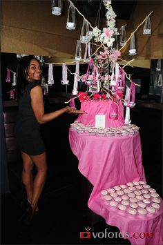 Hanging Cupcake Tree by Second City Soiree!  Must try this!