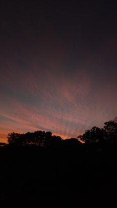 Night Sky Wallpaper, Cloud Wallpaper, Sunset Wallpaper, Scenery Wallpaper, Tumblr Wallpaper, Black Aesthetic Wallpaper, Aesthetic Iphone Wallpaper, Aesthetic Wallpapers, Pretty Sky
