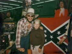 Hank Jr and Dolores Talbot (fan) at the Woolco store in Lexena, Kansas in Old Country Music, Country Bands, Outlaw Country, Country Music Stars, Famous Country Singers, Country Music Singers, Country Artists, Hank Williams Jr, Tennis Players