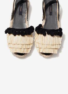 http://www.uterque.com/es/calzado/ver-todos/alpargata-rafia-c96546p7186501.html?color=111 ☆ https://es.pinterest.com/iolandapujol/pins/