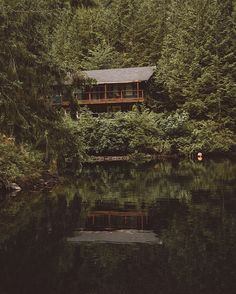 A cozy PNW style cabin nestled at the end of Hotel Lake, BC.  #cabinlove