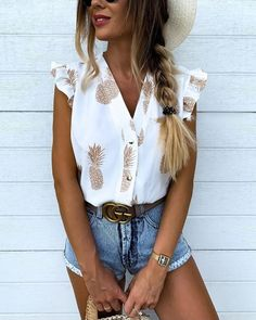 Pineapple Print Flutter Sleeve Casual Blouse guide and tips for fall outfits Trend Fashion, Look Fashion, 2000s Fashion, Hipster Fashion, Fashion Black, Women's Summer Fashion, Fashion 2018, Fashion Fall, Fashion Fashion