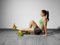 How to foam roll - using a foam roller for strength training - lee mullins - womens health