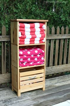 A DIY tutorial to make a poolside storage unit using crates. Includes open shelving for pool towels Pool Towel Storage, Pool Towels, Bathroom Storage, Cool Swimming Pools, Cool Pools, Crate Storage, Diy Storage, Storage Ideas, Storage Solutions
