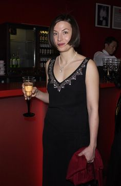 Donna Tartt's Menswear-Inspired Style: A Primer Donna Tartt, Tribeca Film Festival, Nice Dresses, Formal Dresses, Signature Style, Vanity Fair, Well Dressed, Her Style
