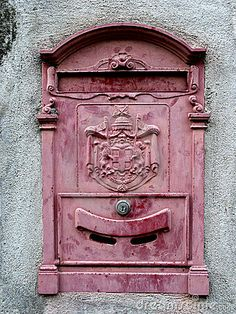 Pink Mail Box shared by Amy Melampy on We Heart It Antique Mailbox, Old Mailbox, Vintage Mailbox, Perfect Pink, Pretty In Pink, Dusty Pink, Dusty Rose, Post Bus, Italian People