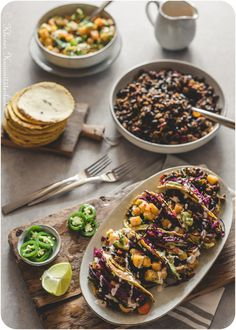 Black bean tacos with red cabbage slaw and winter salsa - Snack Mix Recipes Cabbage Slaw, Red Cabbage, Mexican Buffet, Black Bean Tacos, Snack Mix Recipes, Party Snacks, Salsa, Street Food, Meal Planning