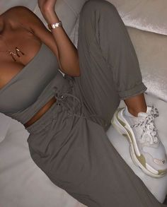 Glamouröse Outfits, Cute Comfy Outfits, Chill Outfits, Sporty Outfits, Teen Fashion Outfits, Look Fashion, Stylish Outfits, Sporty Fashion, Elegantes Outfit Frau