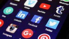 """Bonjour 👋 Pas expert en Réseaux Sociaux, mais touche à tout. Je vous propose d'en savoir plus sur ce qui se fait et je vous propose de partager avec vous 2/3 tuyaux.  00'00"""" Qui suis je & Pourquoi ? 02'53"""" Présentation Générale des Réseaux Sociaux 05'06"""" Tik Tok 06'50"""" Snapchat 09'35"""" Linkedin 14'10"""" Pinterest 22'00"""" Twitter 25'15"""" Instagram 31'18"""" YouTube 34'15"""" Facebook 36'36"""" Quelques Conseils Utiles 42'40"""" Google My Business  #ericpomarel  #Perigueux #Dordogne Affiliate Marketing, Online Marketing, Social Media Marketing, Digital Marketing, Marketing Tools, Marketing Products, Marketing Techniques, Internet Marketing, E Commerce"""