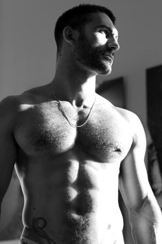 meniloveat5280: Follow for over 95,000 examples of The Art of Man