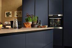 Midnattsblå | HTH Barn Kitchen, Teal Kitchen, Kitchen Room Design, Kitchen Dining, Kitchen Decor, Kitchen Cabinets, Handleless Kitchen, Interior Decorating, Interior Design