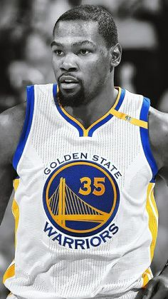 The reigning Finals MVP. if only he could stay consistently healthy, he might be in the top For right now, he is on my list I Love Basketball, Basketball Funny, Basketball Pictures, Basketball Legends, Basketball Players, Stephen Curry, Kevin Durant Wallpapers, Nba Kevin Durant, Splash Brothers