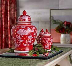A beautiful, decorative ginger jar by day turns into a focal point of warm illumination by night. From the Valerie Parr Hill Collection. Christmas China, Simple Christmas, Christmas Ideas, Valerie Parr Hill, Ginger Jars, Porcelain Vase, Urn, Decoration, Decorating Tips