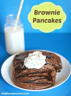 Brownie Pancakes | Real Housemoms | These are super tasty treat!