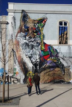 graffiti of lisbon fox Guide Dog Training, Dog Training Methods, Training Dogs, Training Classes, Graffiti Art, Urbane Kunst, Aggressive Dog, Arte Popular, Dog Hacks