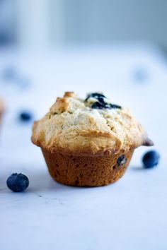These healthy pear and blueberry muffins are made with fresh blueberries, pears, cinnamon, ginger and pecans or walnuts for a little crunch. They are simple to make and are absolutely delicious! #pearandblueberrymuffins #pearmuffins #blueberrymuffins Pear Recipes, Muffin Recipes, Brunch Recipes, Dessert Recipes, Breakfast Recipes, Breakfast Muffins, Brunch Ideas, Easy Desserts, Breakfast Ideas