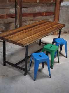 Table ou bureau metal industriel militaire plateau bois massif