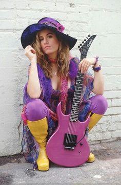 Vicki Peterson -The Bangles Female Guitarist, Female Singers, Vicki Peterson, Susanna Hoffs, Guitar Girl, Women In Music, Pop Bands, Girl Model, My Music