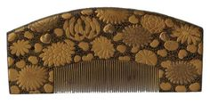 Kushi - Chrysanthemums, Dahlias, Peonies and Hearts Hair Comb. Hand-Painted and Maki-e Lacquered Wood. Late Edo Period.