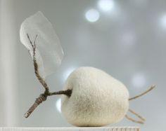 Needle Felted Pear Christmas Decoration от FeltArtByMariana