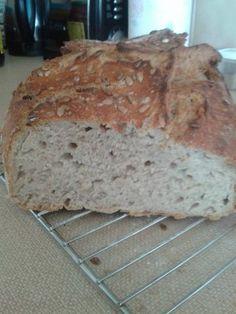 Chlieb z pekáča • recept • bonvivani.sk Bread, Recipes, Food, Rezepte, Essen, Buns, Yemek, Recipies, Breads