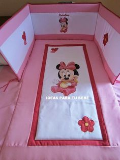 Imagen 0 Baby Clothes Quilt, Sewing Baby Clothes, Baby Sewing, Baby Quilts, Minnie Mouse Theme Party, Disney Bedding, Cot Sheets, Baby Coat, Baby Bedroom