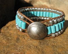 Turquoise and Leather Cuff Bracelet, Western Jewelry Bracelet manchette turquoise et cuir western pa Leather Cuffs, Leather Jewelry, Boho Jewelry, Beaded Jewelry, Jewelery, Jewelry Accessories, Jewelry Design, Beaded Bracelets, Cuff Jewelry