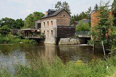 Le moulin d'Apigné, sur la Vilaine | Rennes | They sure know how to pick the good spots for restaurants in France...
