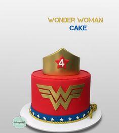 Torta Mujer Maravilla - Wonder Woman Cake by Giovanna Carrillo Wonder Woman Cake, Wonder Woman Party, Wonder Woman Birthday Cake, Iphone Wallpaper Wonder Woman, Fun Cupcakes, Cupcake Cakes, Wonder Woman Pictures, Superhero Cake, Birthday Cake Girls