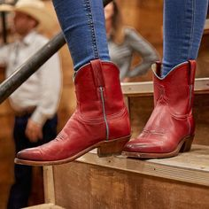 Lucchese (@lucchese) • Instagram photos and videos Women's Booties, Short Boots, Cowboy Boots, Booty, Photo And Video, Videos, Photos, How To Wear, Instagram
