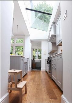 ahhhhh...the light in this kitchen! To die for!