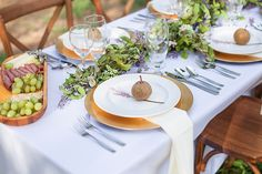 Italian Inspired Wedding Reception in this How to Throw a Tuscan Inspired Wedding Blog with Ramble Creek venue and photos by TowersBrooks Photography | The Pink Bride®️ www.thepinkbride.com