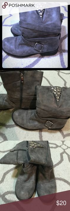 JustFab Gray Ankle Booties with Embellishments JustFab Gray Ankle Booties with Embellishments. Barely worn. In great condition. JustFab Shoes Ankle Boots & Booties