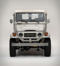 Another masterpiece to roll out of the FJ Company workshop. You've no doubt heard of the FJ40 Land Cruiser, one of the most iconic vintage 4x4´s on the road, and increasingly popular on the classic car circuit… but have you met the FJ45? The FJ45 Lan