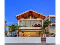 Beach house with top of the line audio, video and security systems - Newport Beach, CA (http://www.firstteam.com/ca/newport-beach/4311-seashore-drive/5379667/)