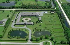Luxury equestrian estate in Wellington, Florida. Two Swans Farm Dream Stables, Dream Barn, Horse Stables, Horse Barns, Horses, Horse Farm Layout, Barn Layout, Sims 3, Minecraft Decoration