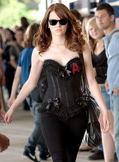 Emma stone in 'Easy A' Movie Halloween Costumes, Looks Halloween, Trendy Halloween, Halloween Inspo, Halloween Outfits, Happy Halloween, Halloween Costumes For Redheads, Redhead Costume, Movie Character Costumes