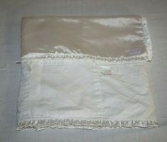 Daisy Girl, Baby Girl Blankets, White Satin, Bows, Color, Scrappy Quilts, Arches, Bowties, Colour