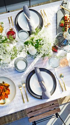 Contrasting plate settings add an elevated touch to a sunset dinner table. #ad