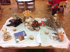 Begeleide of zelfstandige activiteit - The gruffalo's child story sack Gruffalo Activities, Gruffalo Party, The Gruffalo, Gross Motor Activities, Book Activities, Literacy Display, Pre-school Books, Gruffalo's Child, Story Sack