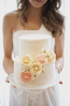 Pretty Shabby Chic Style Wedding Cake  Photo: www.christaelyce.com